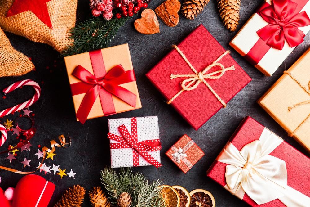 Bistvo božičnega obdarovanja je izkazovanje pozornosti svojim najbližjim sorodnikom in prijateljem.